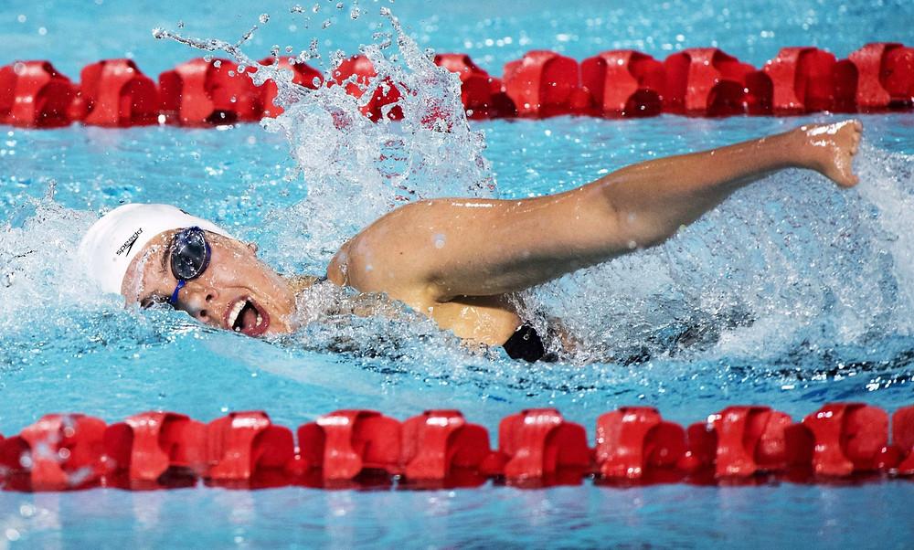 La canadiense Aurelie Rivard se abre camino nadando hacia una medalla de plata para el SM10 (Para) 200m individual en la competencia femenina durante las finales de natación en los Juegos de la Commonwealth, el sábado 7 de abril de 2018, en Gold Coast, Australia.