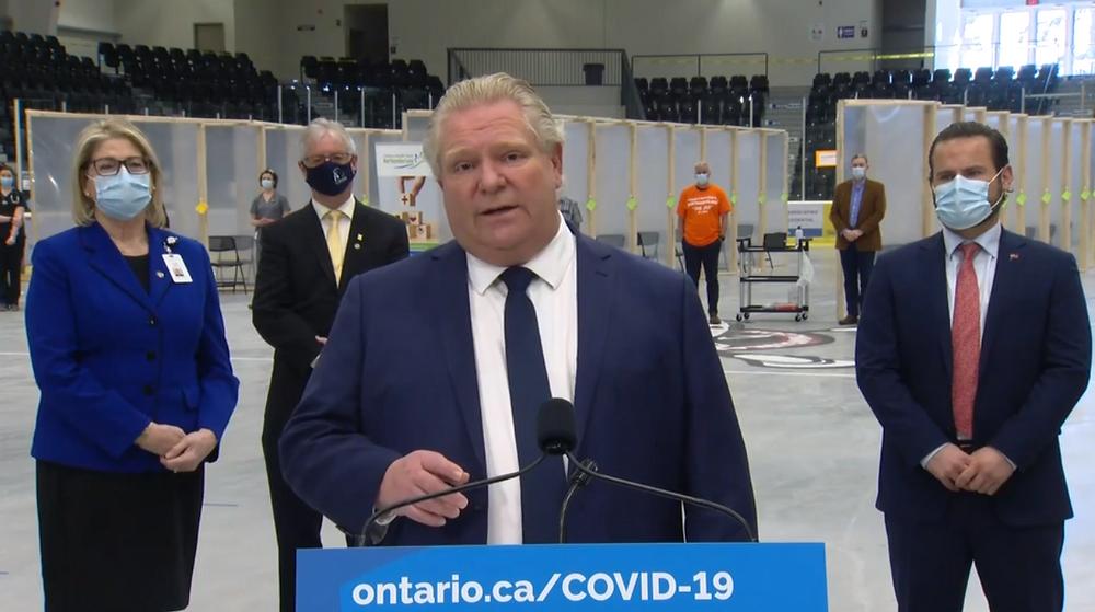 Mensajes de error y problemas de reserva informados en el día del lanzamiento el portal de vacunas COVID-19 de Ontario.