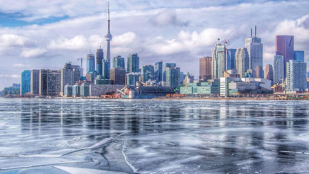 Toronto espera más nieve y una gran caída de temperatura esta semana.