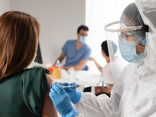 Clínicas de vacunación en Toronto informan acoso por personas que desean su segunda dosis