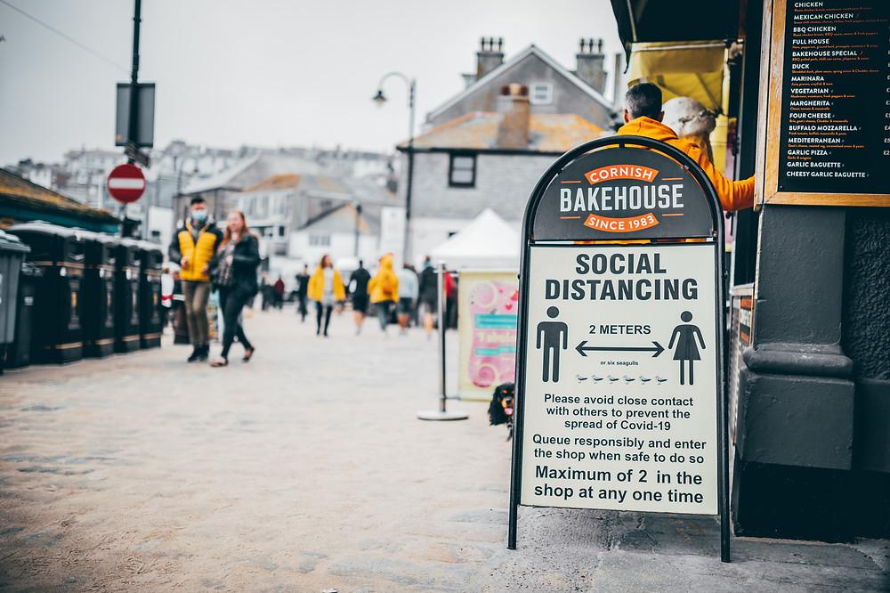 St Ives, Cornualles, cuando la mayor parte del Reino Unido estaba en el nivel 1 en cuanto a restricciones a raíz del COVID-19 (Septiembre de 2020).