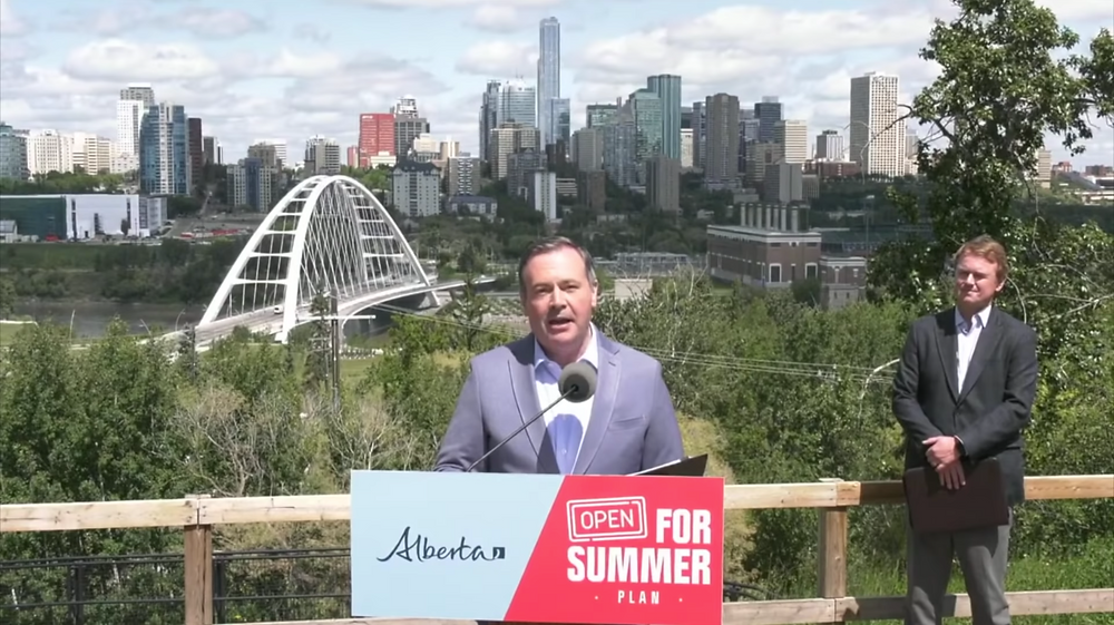 Alberta levantará todas las restricciones de COVID-19 el Día de Canadá después de que más del 70 por ciento de los habitantes de Alberta hayan recibido una primera dosis de la vacuna COVID-19, anunció el viernes el primer ministro Jason Kenney. Alberta levantará casi todas las restricciones COVID-19 el día de Canadá.