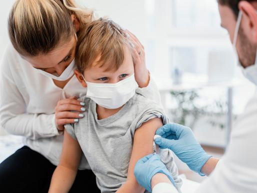 Universidad de Oxford pausa ensayos en menores de vacuna COVID-19 de AstraZeneca
