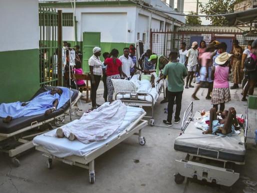 Afectados por el terremoto en Haití están a la espera de ayuda mientras otro desastre se acerca