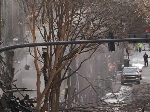 Vehículo explota en el centro de Nashville