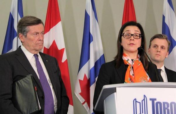 El alcalde John Tory y la jefa de salud pública, la Dra. Eileen de Villa, instaron por separado al gobierno de Ford el miércoles a no aliviar las restricciones de COVID-19 en Toronto.