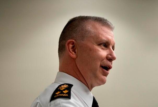 El comandante de la Marina Real Canadiense, el vicealmirante Art McDonald, es visto durante una entrevista con The Canadian Press en Ottawa, el miércoles 11 de diciembre de 2019.