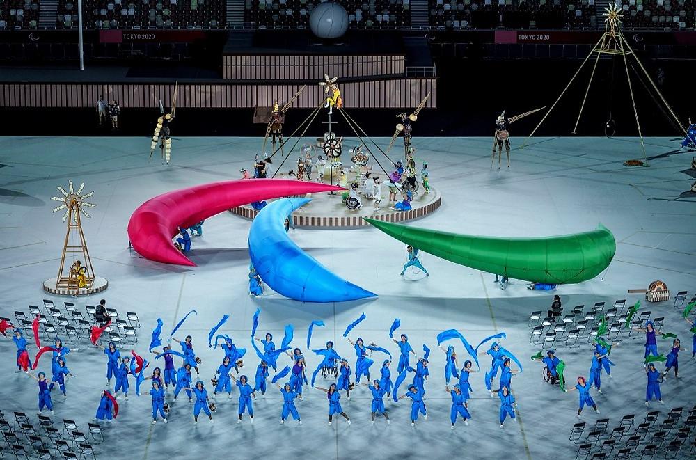 Artistas en la ceremonia de apertura de los Juegos Paralímpicos de Tokio 2020 en Tokio, el 24 de agosto de 2021.