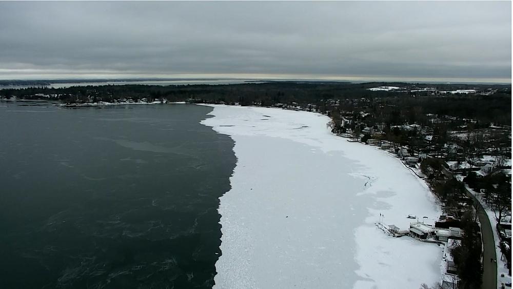 Accidente de avión en el lago Simcoe deja una persona muerta.