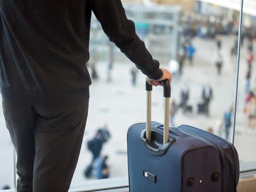 Un hombre es acusado de presentar un resultado falso de una prueba COVID-19 en el aeropuerto