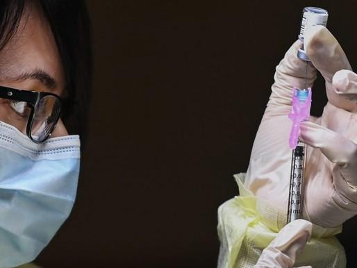 Mayoría de canadienses se vacunarían lo antes posible