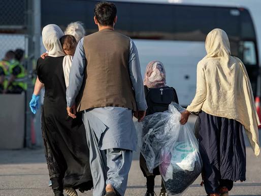 Comienzan a llegar miles de refugiados afganos a Canadá