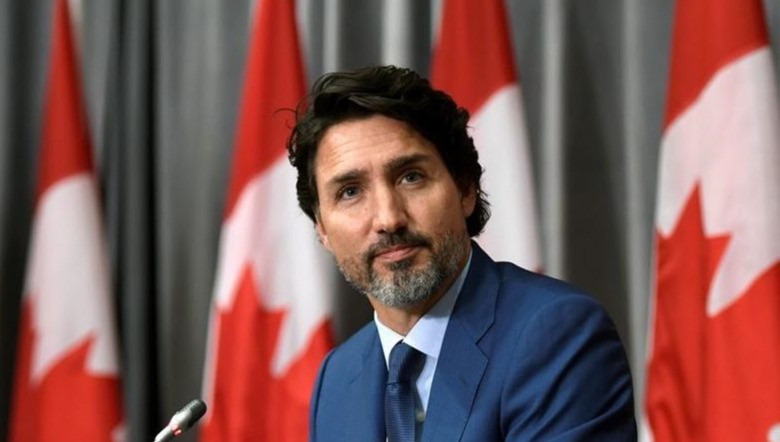 El primer ministro Justin Trudeau escucha una pregunta durante una conferencia de prensa sobre la pandemia de COVID-19 en Parliament Hill en Ottawa, el viernes 25 de septiembre de 2020.