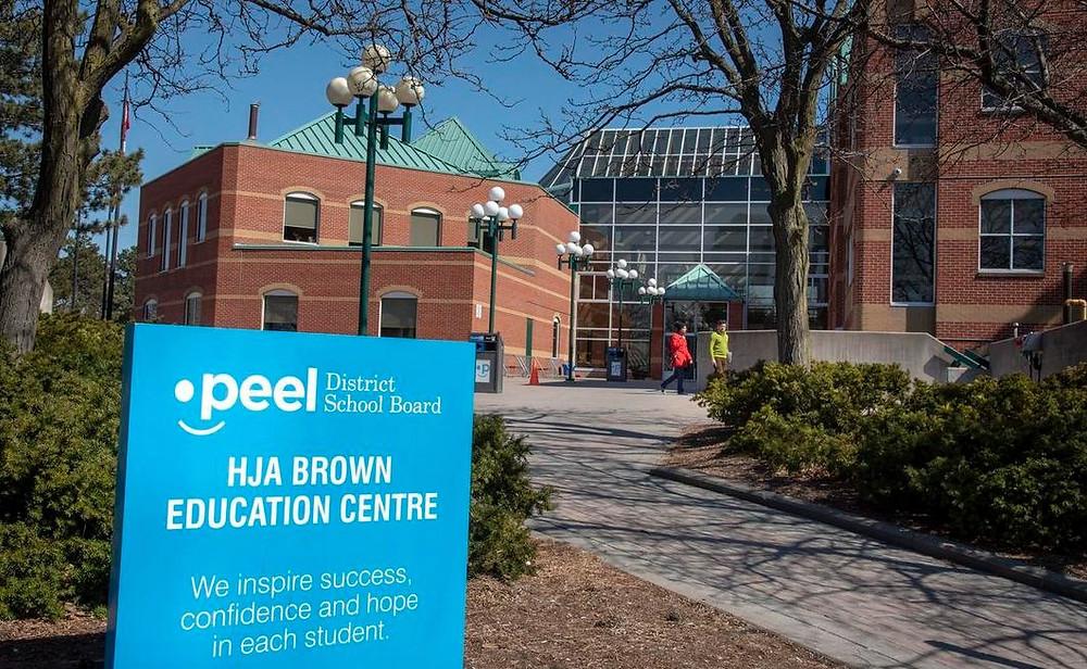 La Junta Escolar del Distrito de Peel confirmó el jueves que un aula virtual fue pirateada en dos ocasiones distintas.
