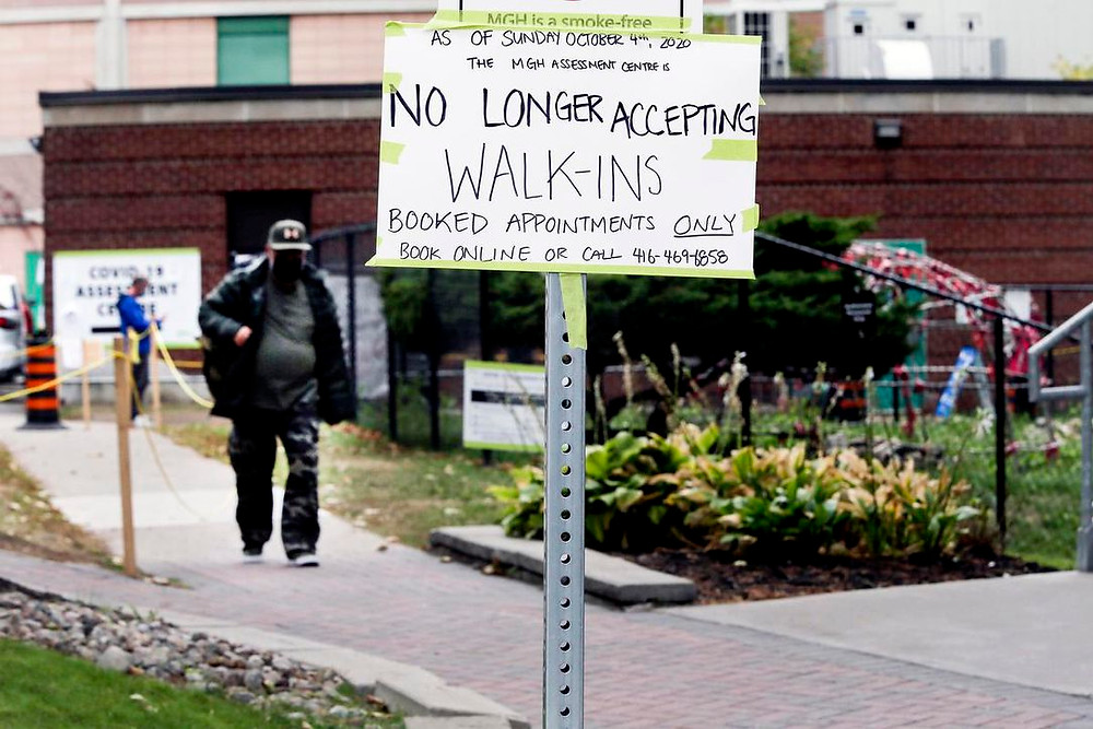 Hospital Michael Garron en Toronto el martes informa al público que las evaluaciones de COVID-19 ahora son solo con cita previa.
