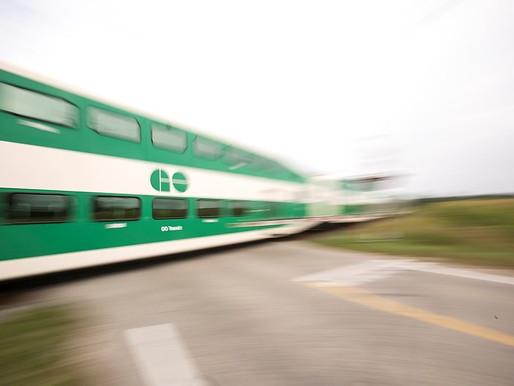 Peatón fallece luego de ser atropellado por un tren GO en Milton