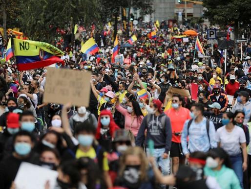 Presidente de Colombia retira la reforma tributaria tras protestas masivas