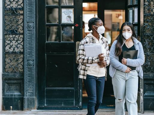 Menos estudiantes internacionales debido a las restricciones de viaje de la pandemia