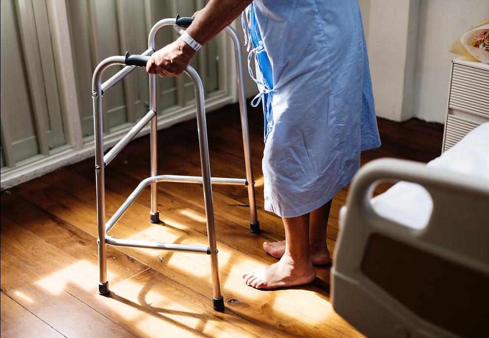 Ontario permite que los hospitales transfieran pacientes a LTC sin consentimiento en casos urgentes.