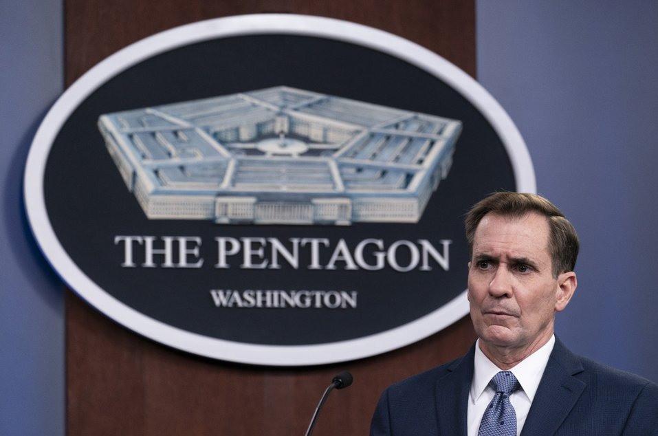 En esta foto de archivo del miércoles 17 de febrero de 2021, el portavoz de The Pentagon, John Kirby, habla durante una conferencia de prensa en Washington.