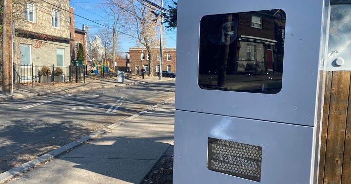 La cámara automática de la calle Mimico, en Toronto, emite la mayoría de las multas por exceso de velocidad en la ciudad.