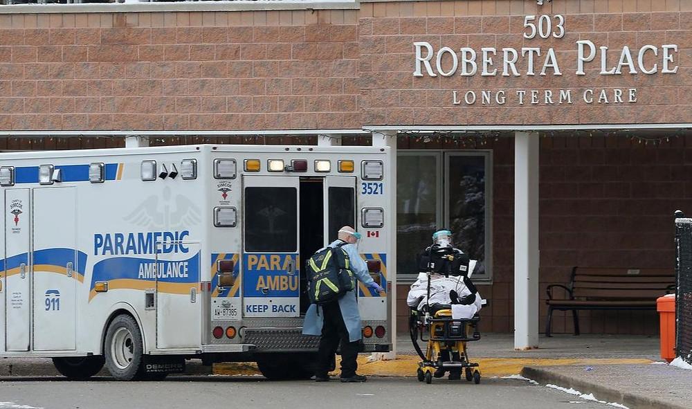 """l COVID-19 se ha extendido por Roberta Place Long-Term Care en Barrie, y se ha descubierto que 99 casos nuevos son """"variantes de preocupación""""."""