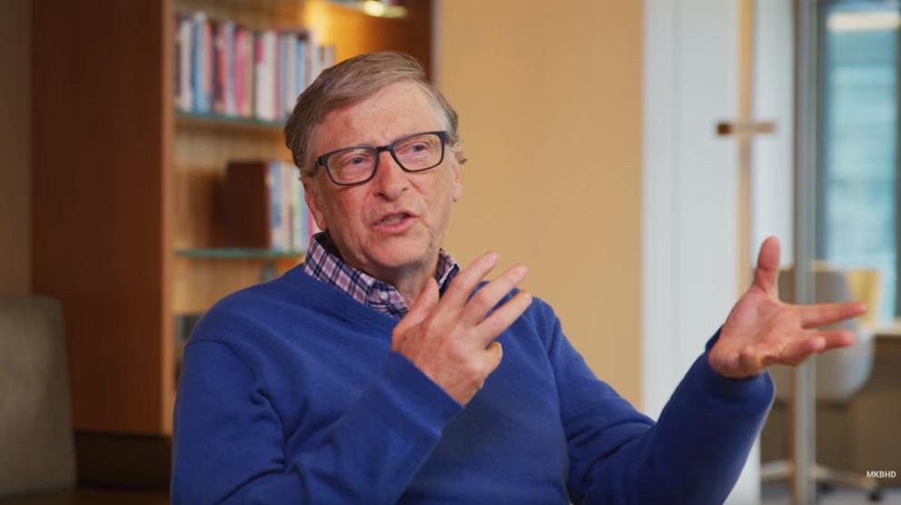 Bill Gates durante la entrevista con el youtuber Marques Brownlee