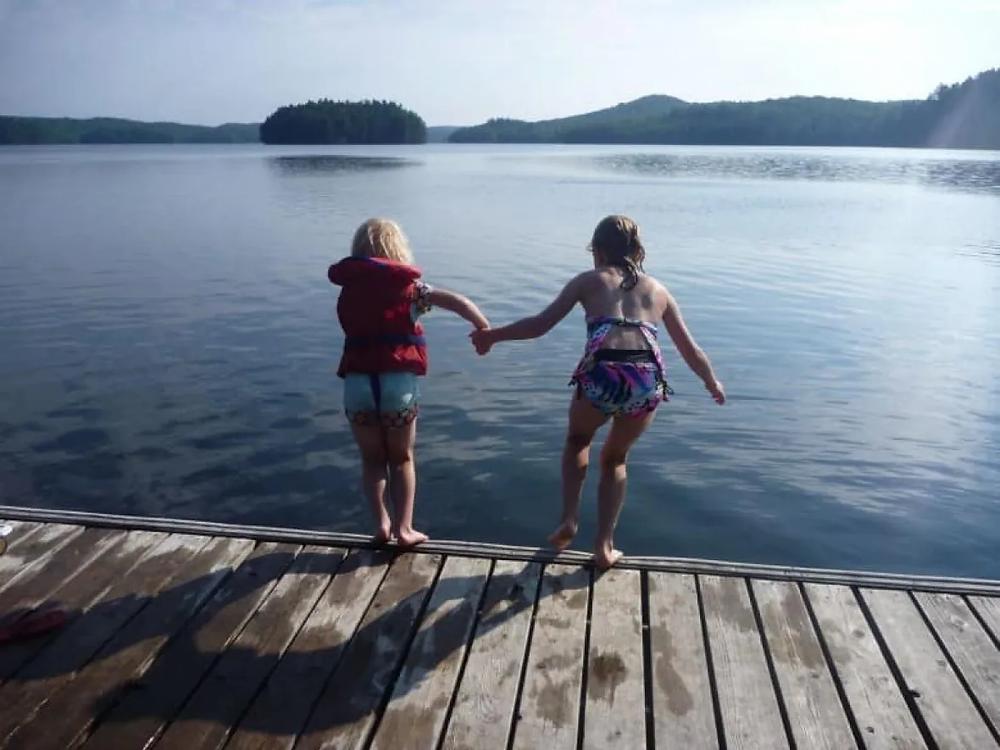A partir del viernes, es posible alquilar una cabaña en Ontario; sin embargo, todavía existen limitaciones para cruzar las fronteras provinciales.