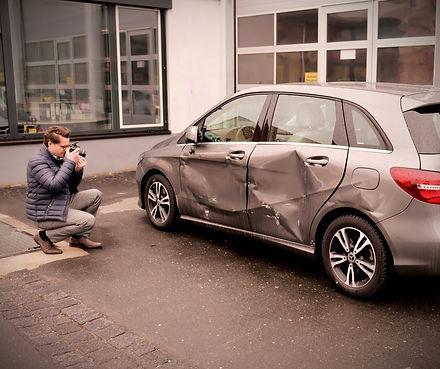 Begutachtung Unfall, KFZ Gutachter, Schaden.jpg