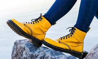 Gelber Regen-Stiefel