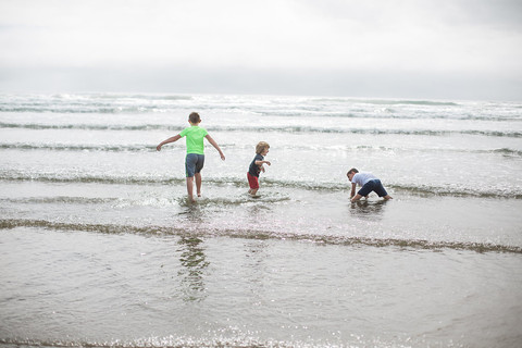 Cannon Beach Family Session | Jordan + Kelli