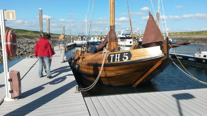 Das wunderschöne alte Plattbodenschiff.