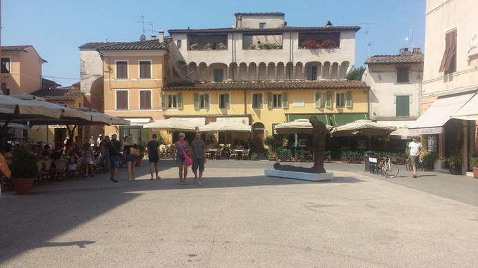 Piazza in Pietrasanta.