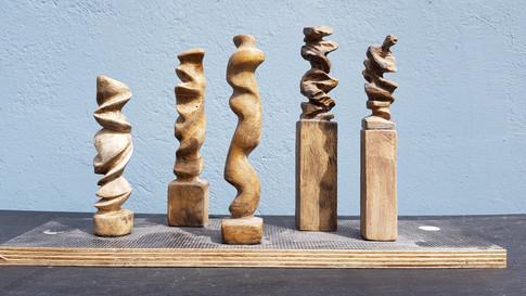 Gipsmodelle für Holzskulptur.