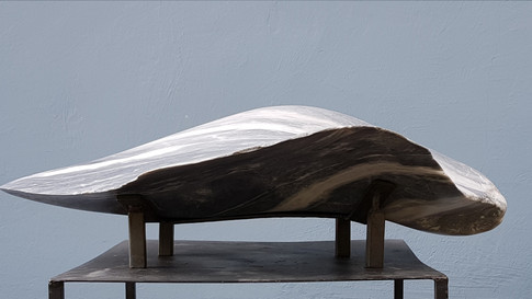 Abstrakte Skulptur. Bardiglio. Italienischer Marmor.