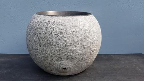 Abstrakte Skulptur. Irischer Limestone.