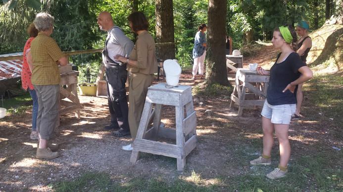 Ausstellung am Ende des Steinbildhauerkurses beim Campo. Ein schönes Ritual.