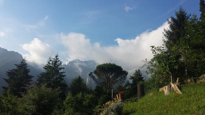 Schöne Aussicht. Immer wieder fasziniert der Blick in die Berge.