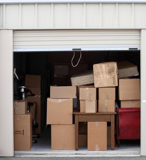 Cajas en el almacén
