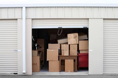Boîtes dans l'entrepôt