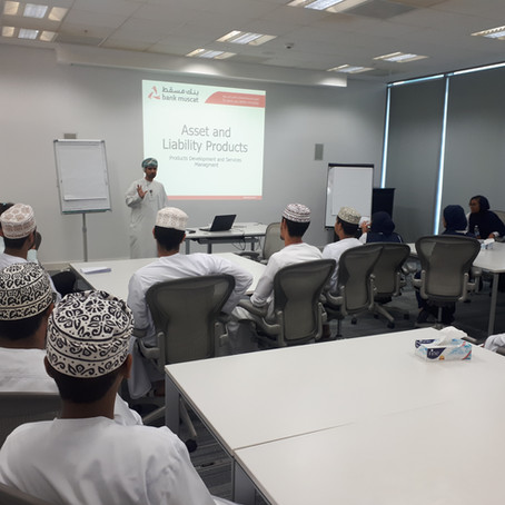 Students Learn About Finance at Bank of Muscat