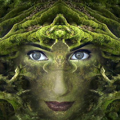 Goddess In The Green Course - Waged