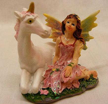 Kneeling fairy withUnicorn