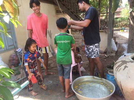 カンボジアのお正月の習慣