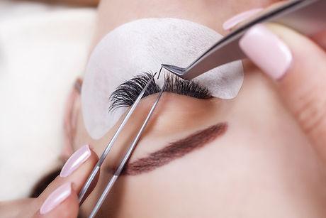 Canva - Eyelash Extension Procedure. Wom