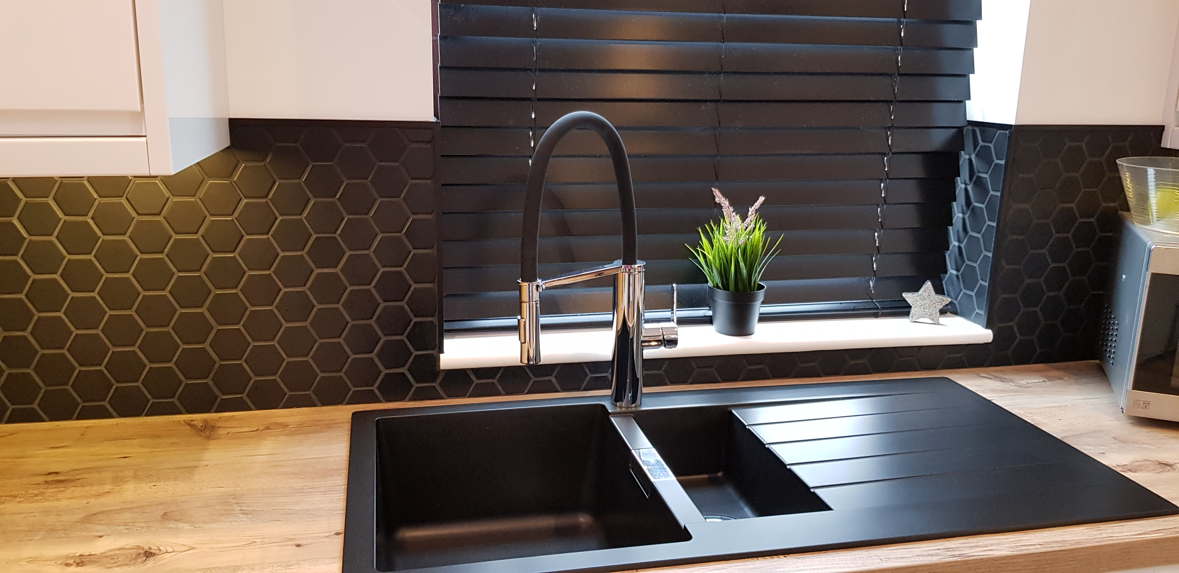 black composite quartz sink