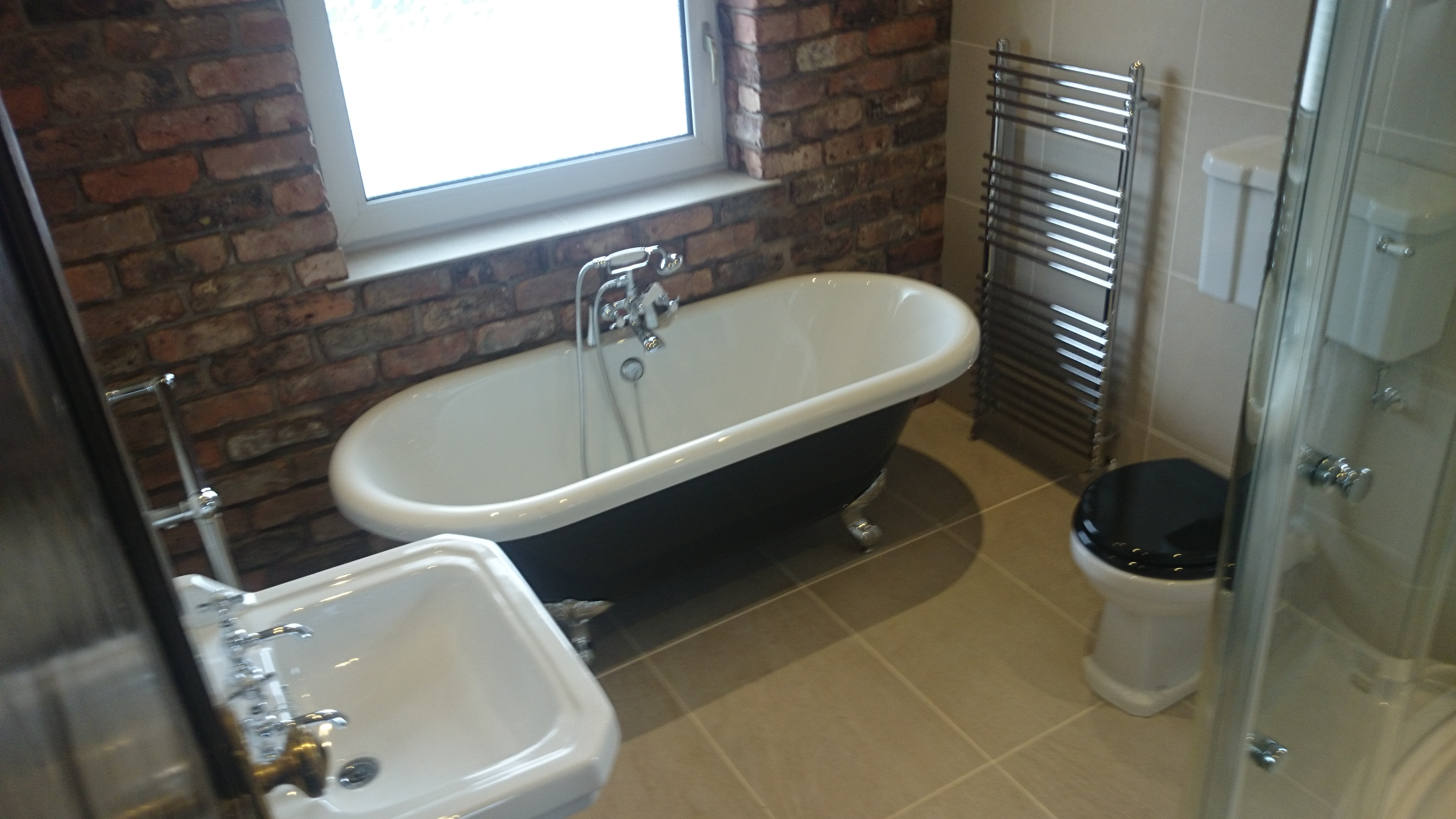 Traditional bathroom brick slips