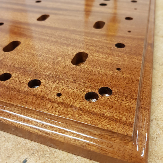 Mahogany lacquered finish
