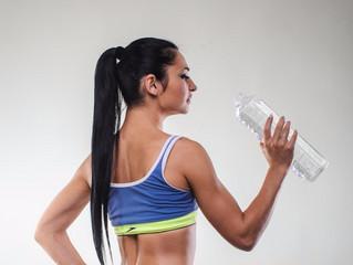 Вода і правильний питний режим для схуднення