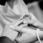 couple-hands-love-53585.jpg